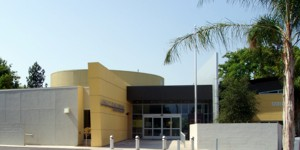 Exterior view of the Valley Plaza Library